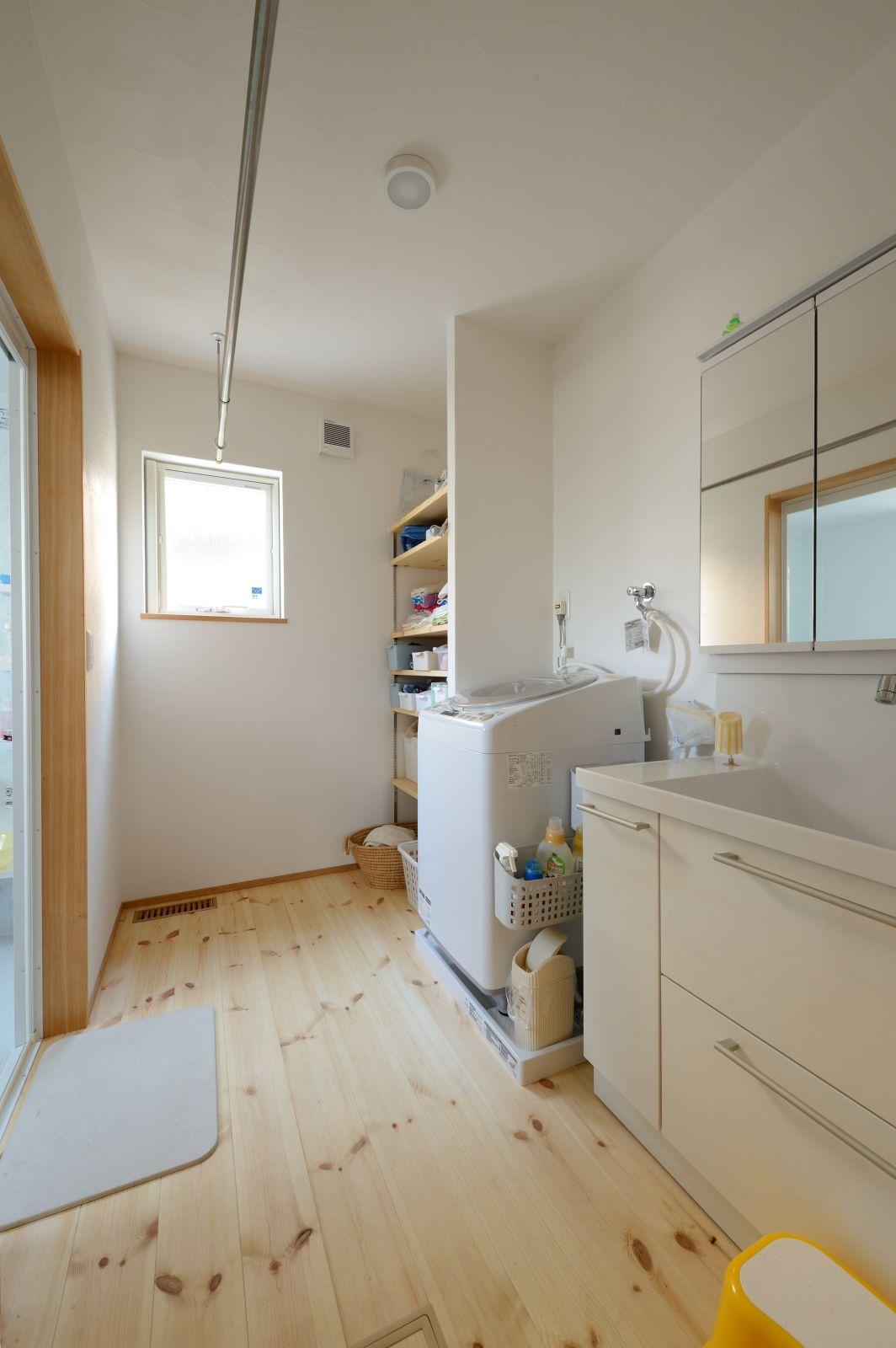 洗面脱衣室の室内干しスペース