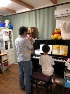 音楽室で演奏