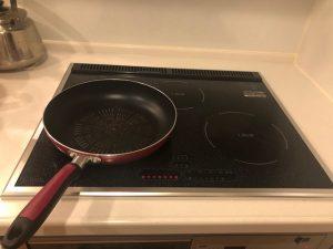 ラジエントヒーター:底の平らな鍋、フライパンであれば何でも使用OKです。