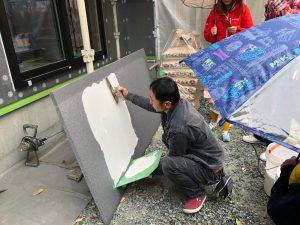 新築現場で外壁パターン打合せ