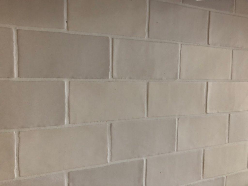 室内壁のタイル貼り