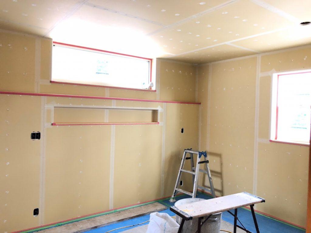 塗り壁仕上げ前の室内ボード張り