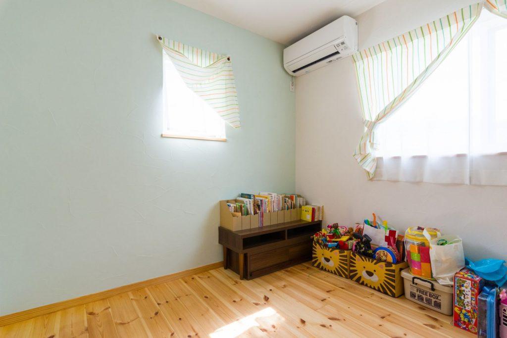子供室 (36)壁青