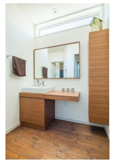 洗面④大きな鏡とカウンター