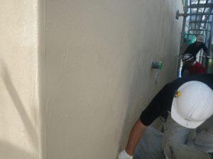 外壁塗り壁材セレクトリフレックス仕上げ工事中2
