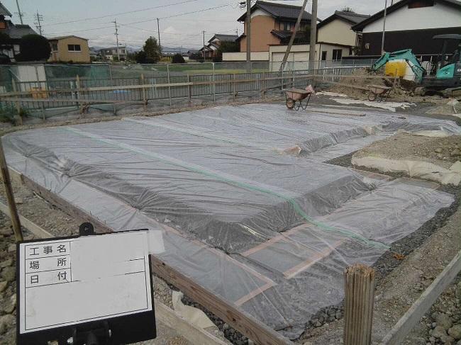 計画された建物配置の下にSG材を設置して完了