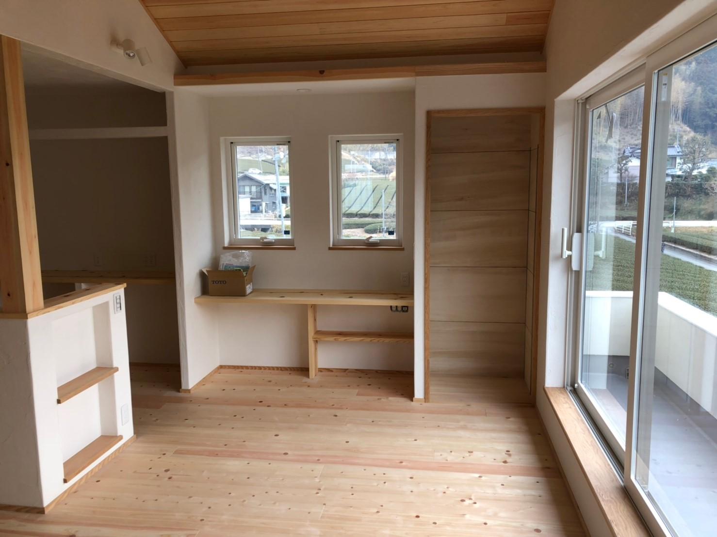 檜材の床・天井 新築戸建て