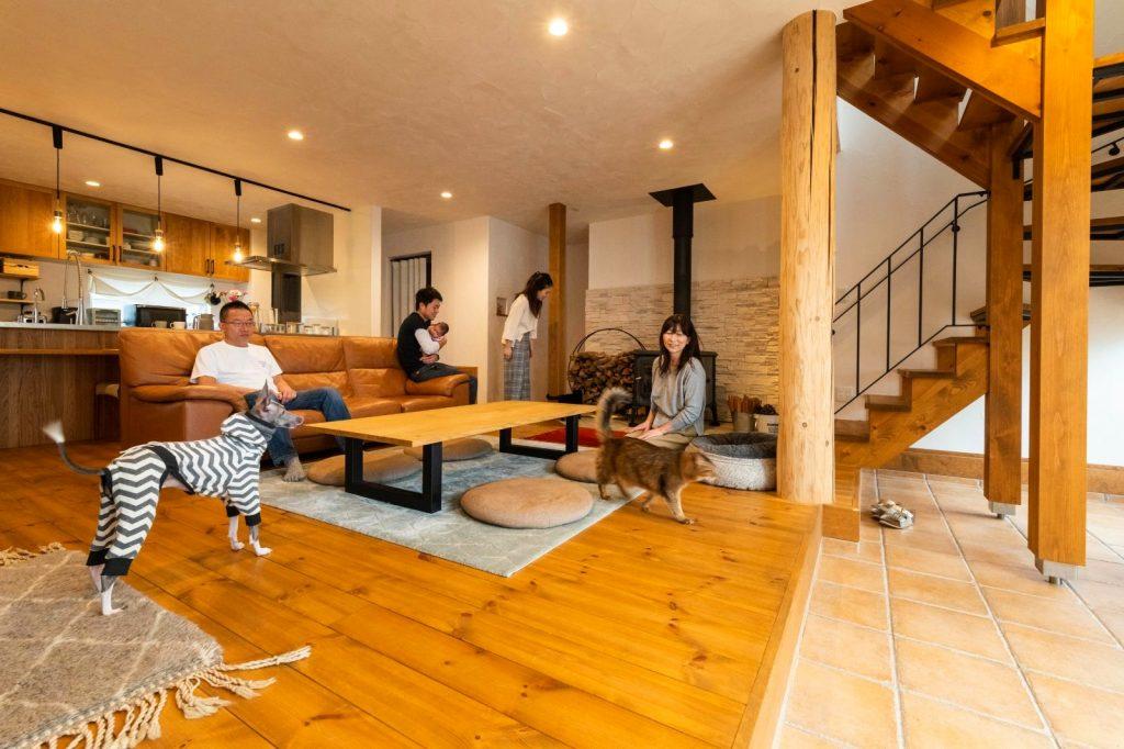 薪ストーブのある共有型二世帯住宅