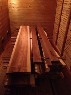 奇跡の杉を生み出す低温乾燥機 「愛工房」