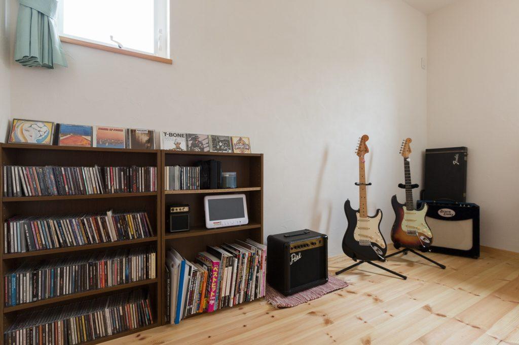 趣味の音楽を楽しめるご主人様の部屋