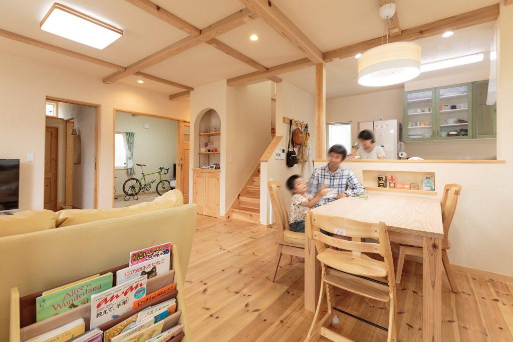 和室や自転車部屋とも一体感がある広々LDK