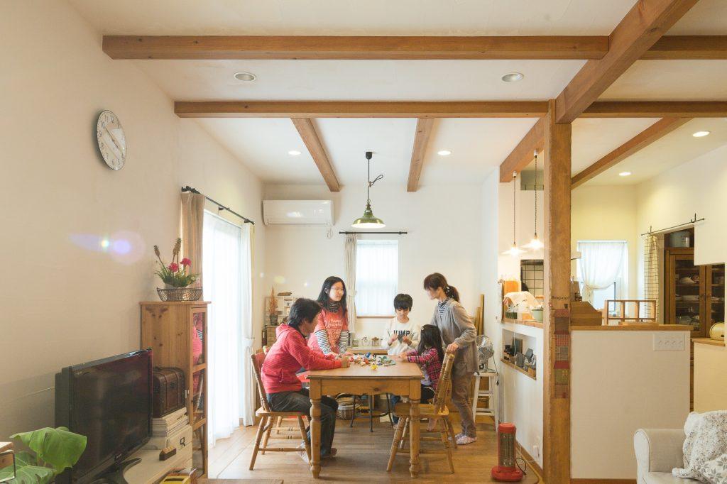 絵本のように心あたたまる 無垢&自然素材の家