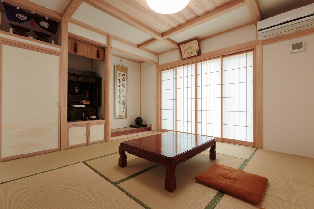 真壁づくりの本格和室は、ご両親のリビング 兼 客間として利用