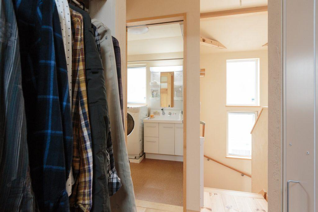 ウォークインクローゼット・洗面所・浴室を2階に設け、家事ラク♪