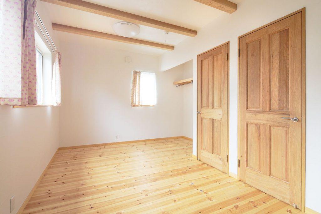 2階の子ども部屋は成長に応じて間仕切りできるように