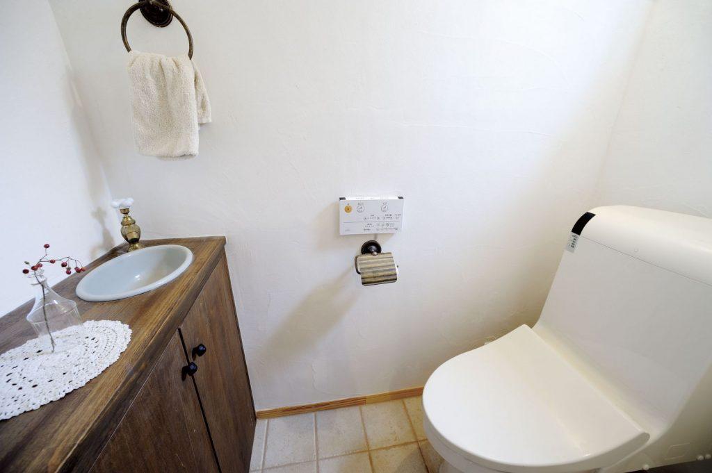 トイレの手洗いカウンターもこだわりの1つ