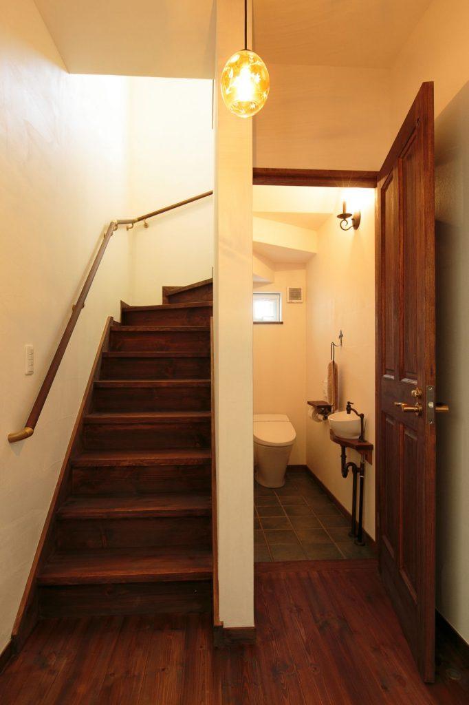 階段下もトイレスペースとして有効活用