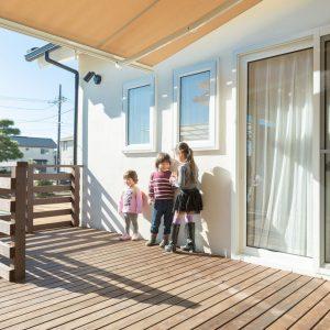 家族の気配を感じながら暮らす 中庭で繋がる平屋の家