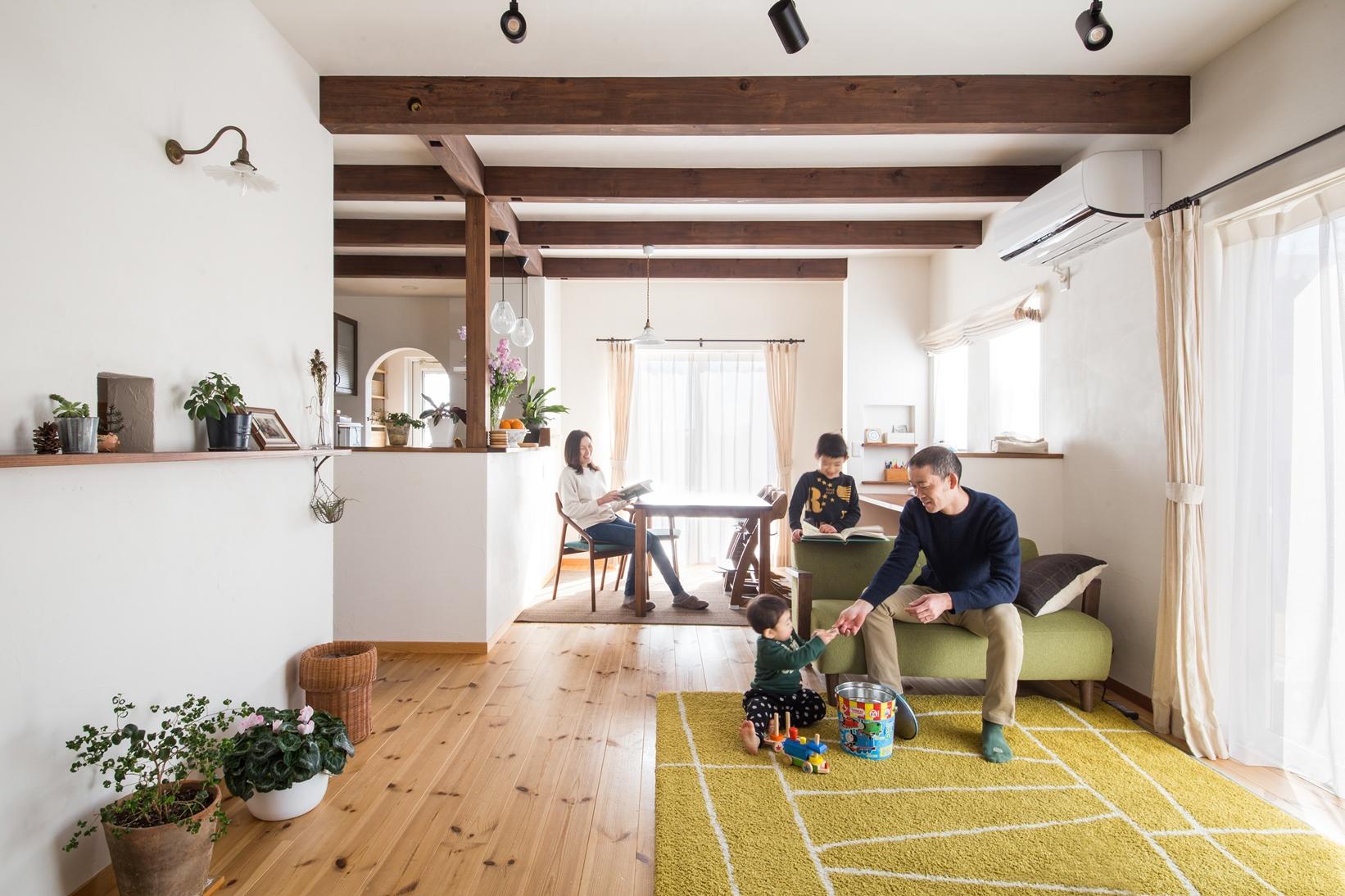 大人プロヴァンスの家で素敵なインテリアとグリーンに囲まれた暮らし