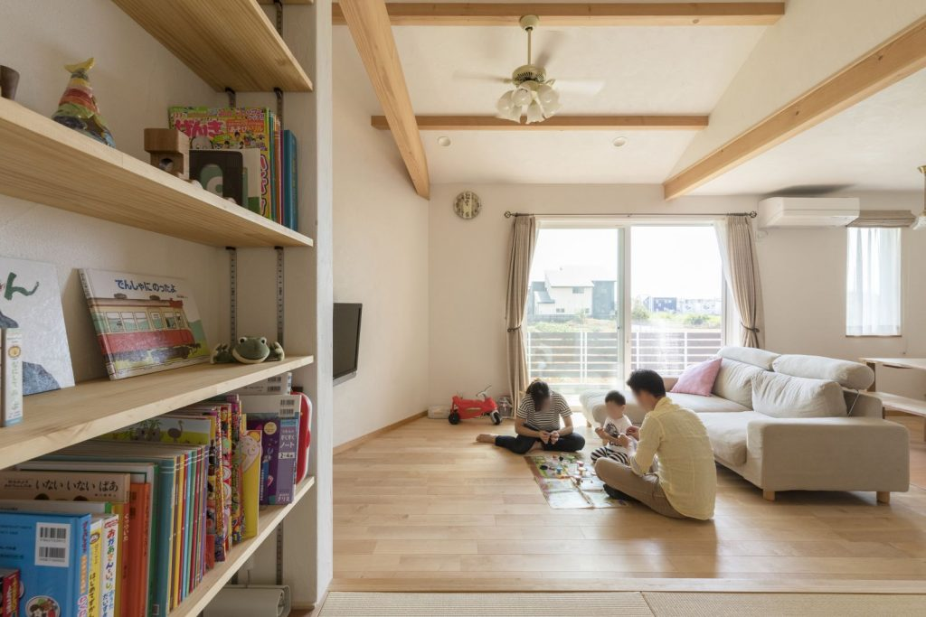 スペースを有効活用した可動式の本棚
