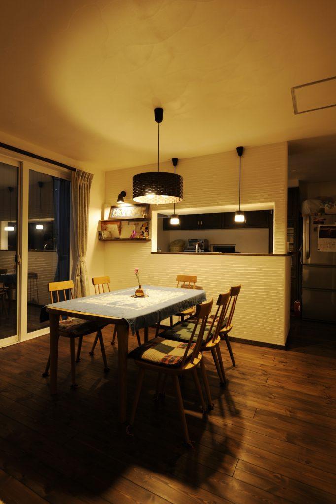 スペイン漆喰が映えるキッチン