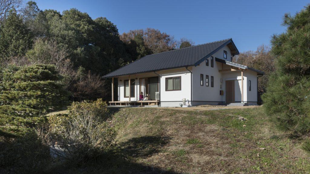 ウッドデッキが最高!大屋根の和風住宅