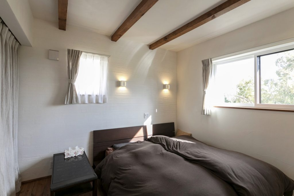 間接照明が素敵な寝室