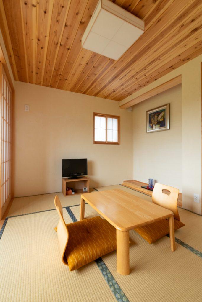 木の香りいっぱいの落ち着く和室