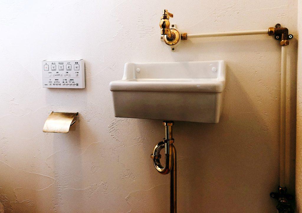 プロヴァンスデザイン住宅のトイレの手洗い
