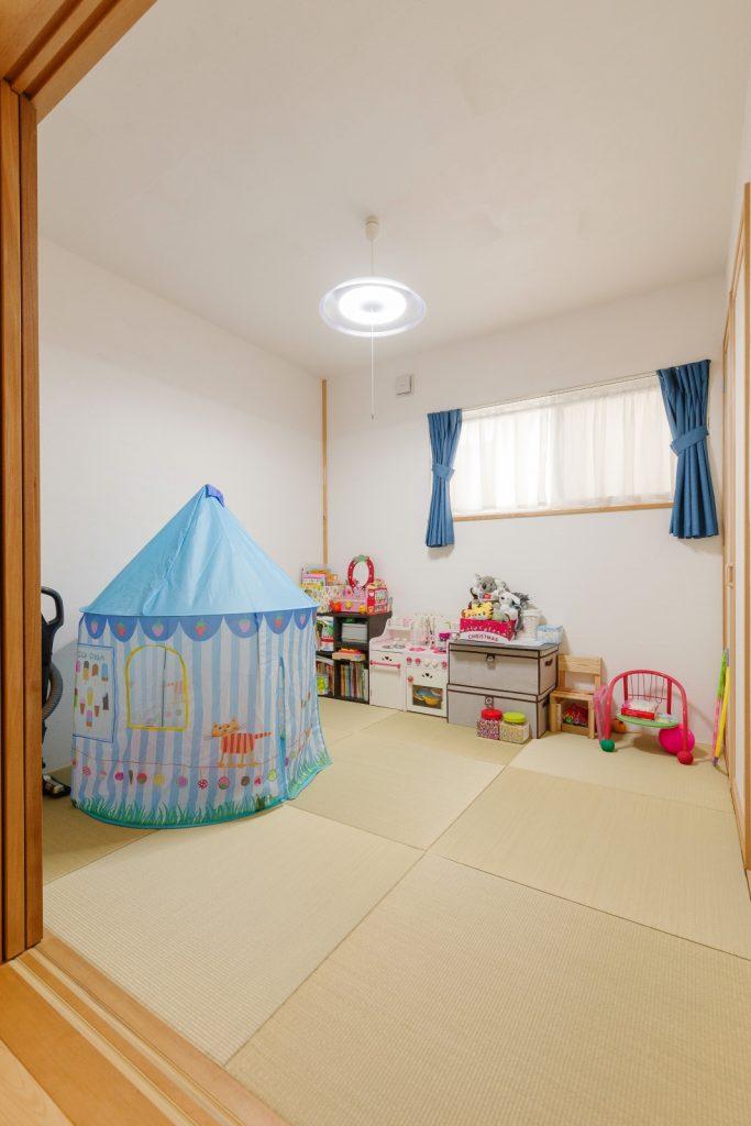 子どもが安心して遊べる和室