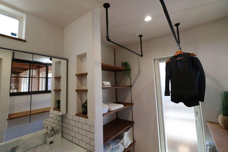 完成見学会;室内物干し出来る家事スペースをインダストリアルな仕上がり
