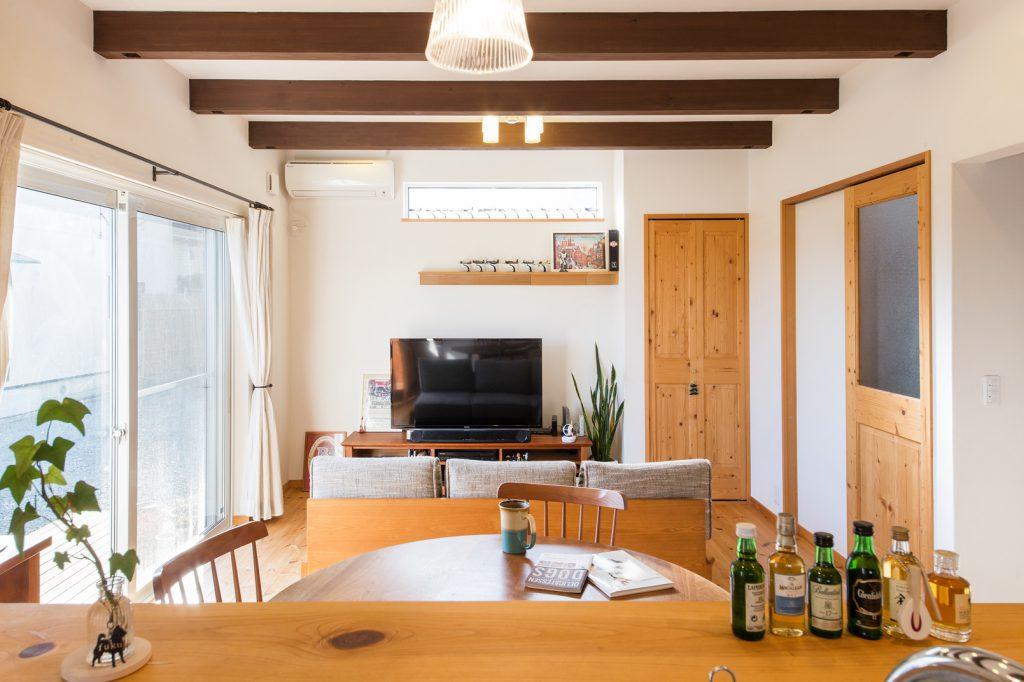 調理中も家族の様子がよく見える対面キッチン