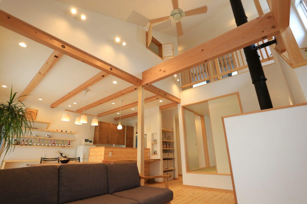 LDKと和室を繋げると約30畳の大空間に…!勾配天井により開放感も倍増!