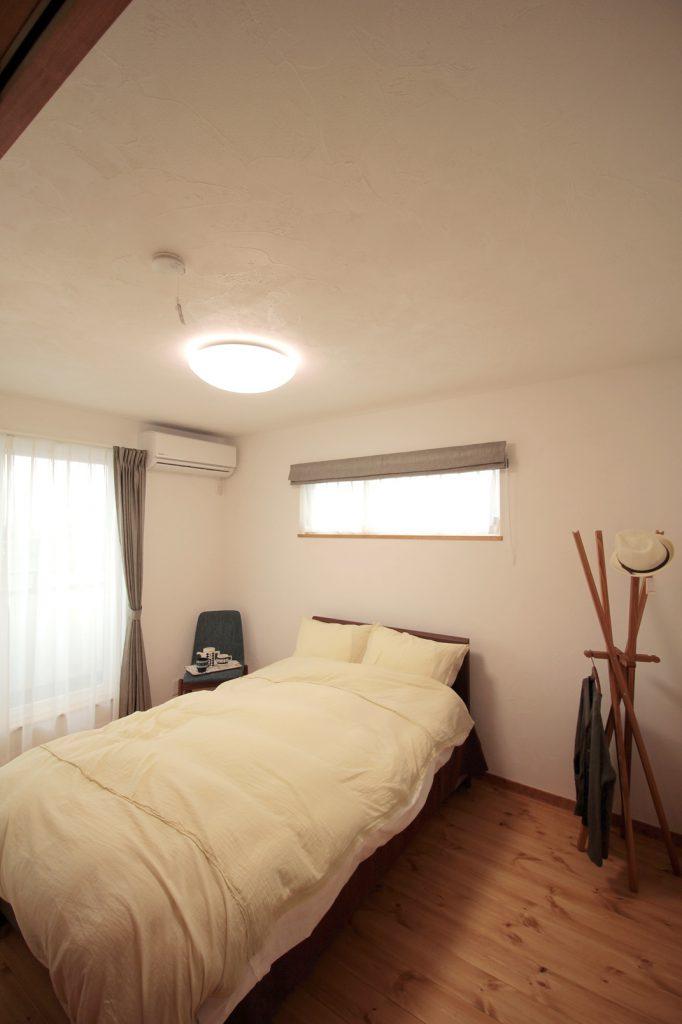 自然素材に包まれた心地いい寝室