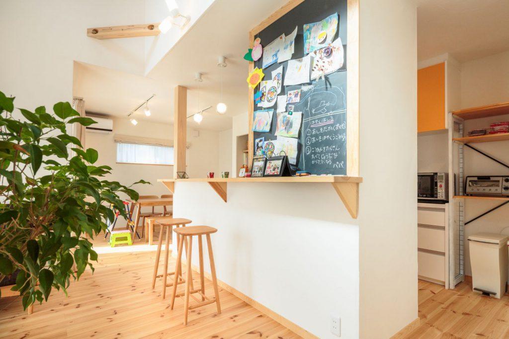 カフェ風のキッチンカウンター