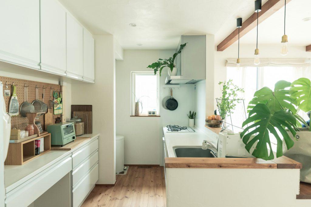 明るくて清潔感のあるキッチン