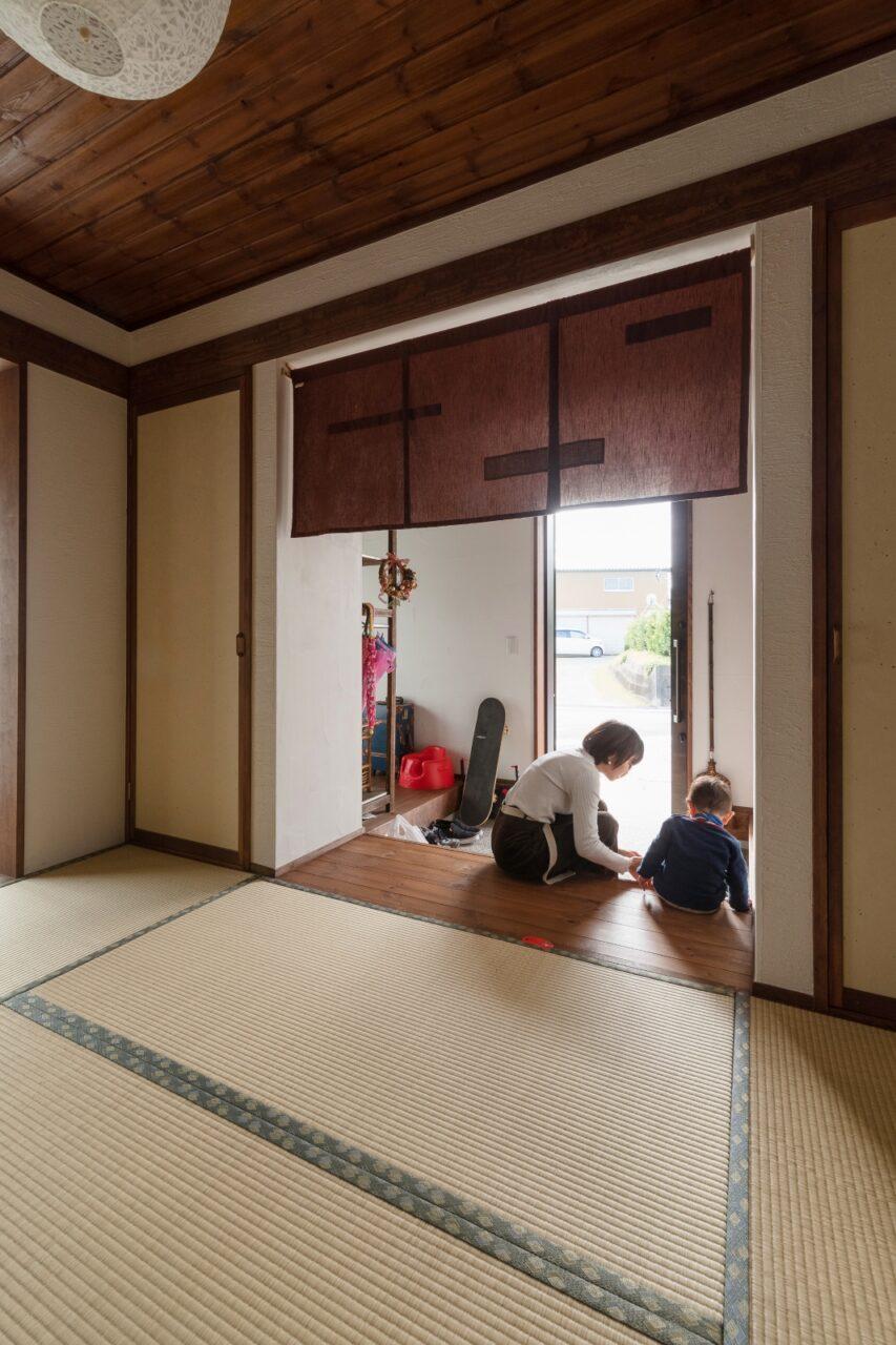 和室へ繋がるゆとりのある玄関