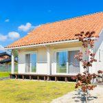 平屋のようなオレンジ屋根のプロヴァンス風健康住宅
