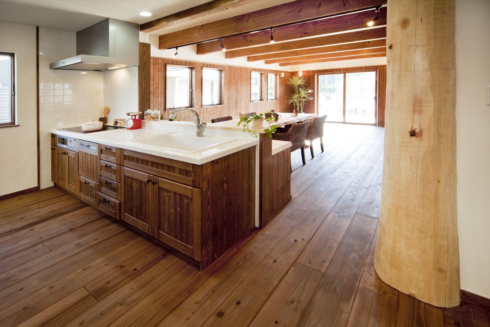 キッチンにいても家族の様子を見ることができる対面キッチン