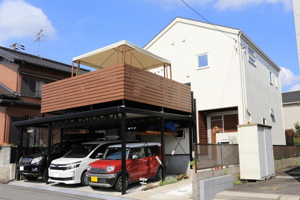 ガレージの屋根上を利用したルーフバルコニー