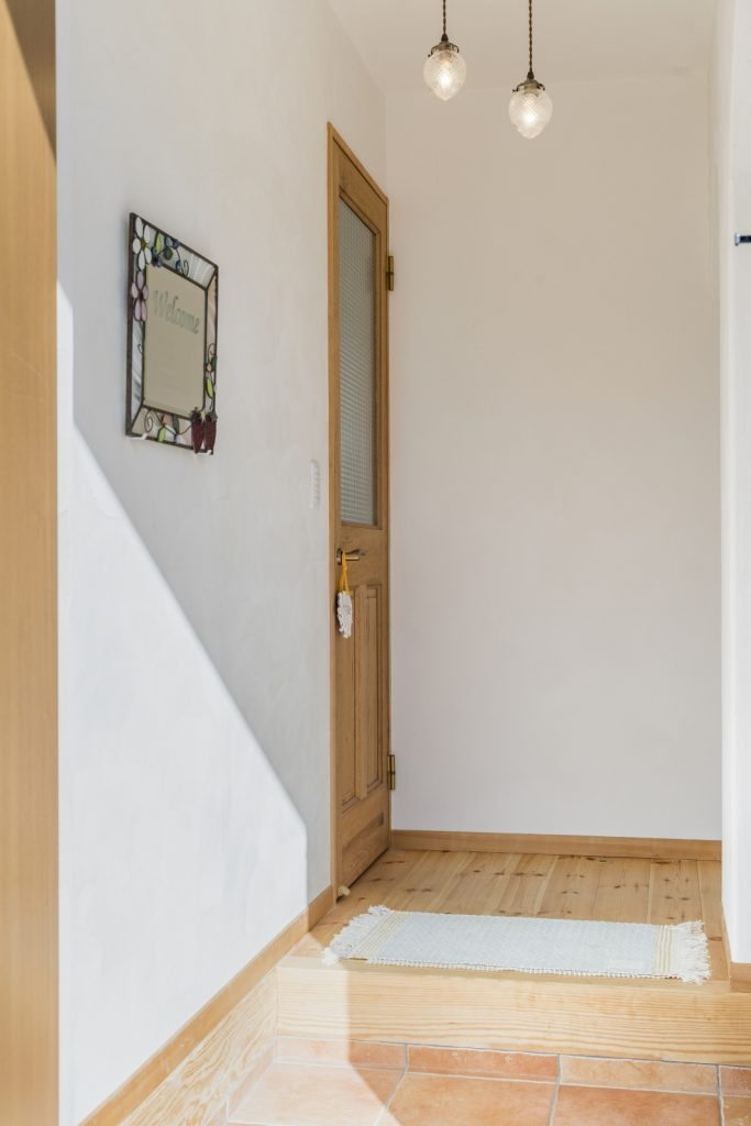 シンプルな玄関ホール