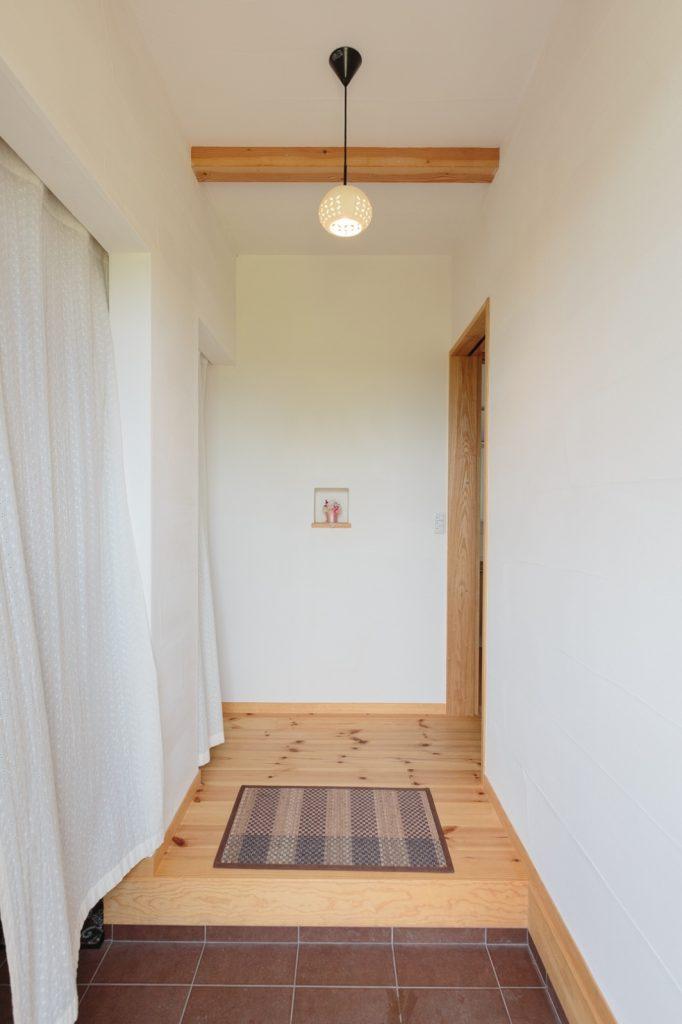 スッキリ、可愛らしく飾られた玄関