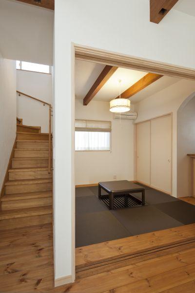 和室は掘りごたつを設け、お客様をリラックスしておもてなし。