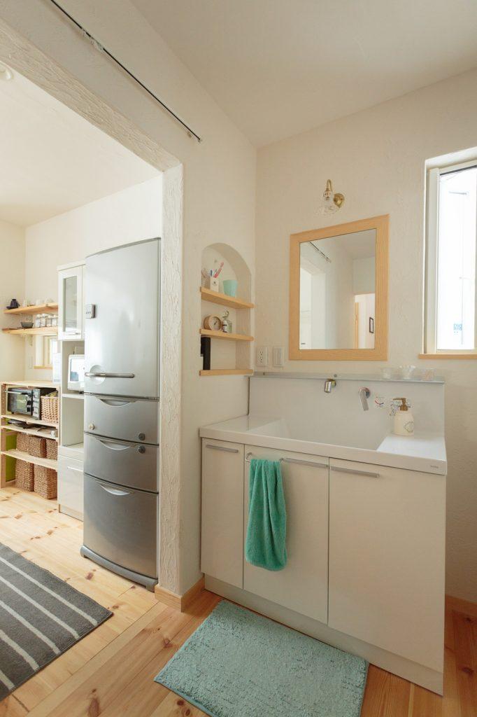 キッチン⇔洗面所⇔脱衣所⇔浴室が一直線で繋がる、家事ラク動線