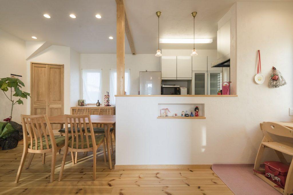 ダイニングと横並びになったキッチンは、配膳や片付けもしやすく、忙しい奥様にピッタリ!