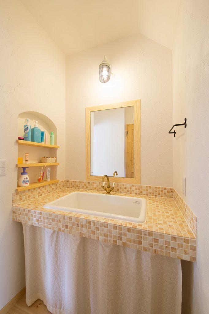 やわらかい雰囲気のオリジナル洗面台