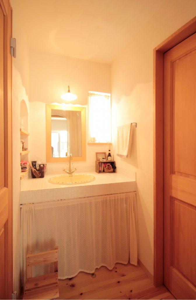 洗面所と脱衣所を分けることで、使い勝手も可愛さもアップ!