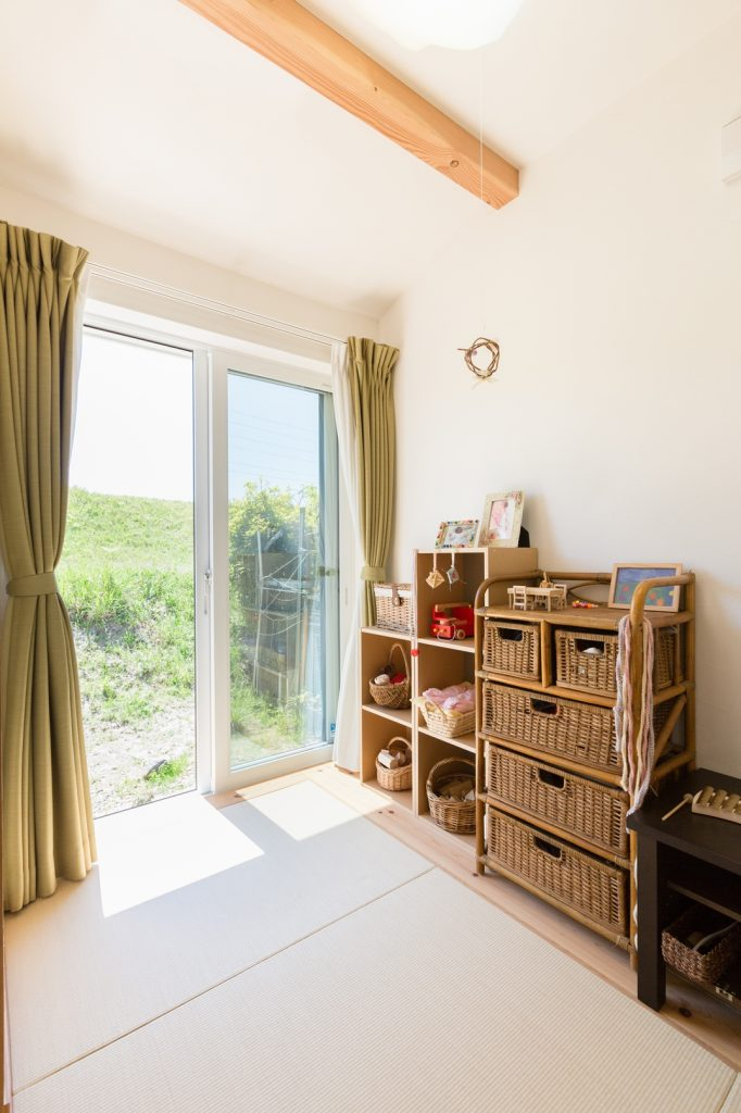 外の景色を取り入れた 開放感のある3畳の和室