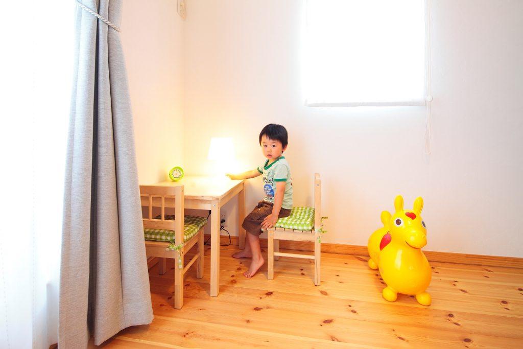自然素材に囲まれた空間でお子様もすくすく育つ