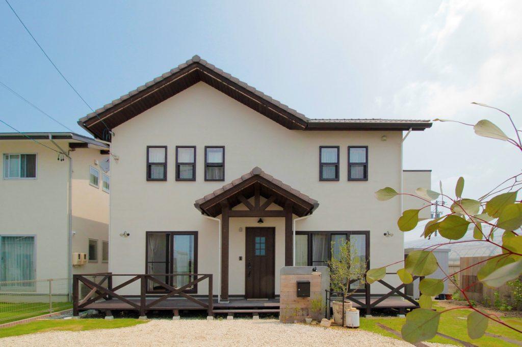 シンプル+ログハウスがコンセプトの家